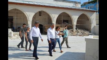 Kaymakam Cinbir ve Vakıflar Bölge Müdürü Develi Alaaddin Camii Restorasyon Çalışmasını İnceledi