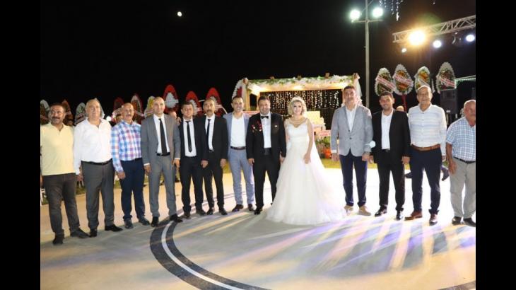 Milliyetçi Hareket Partisi Mersin İl Başkanı Zeynel Uğur Gölgeli, memleketi Silifke'de düzenlenen düğün töreni ile dünya evine girdi.