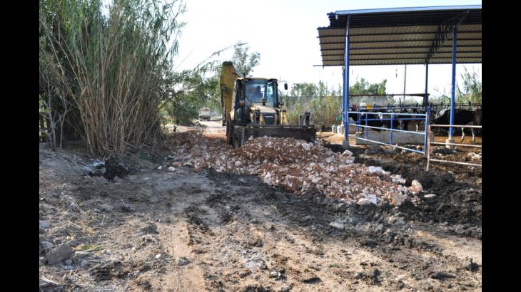 Silifke Belediyesi'nden Mahallelere Şarampol ve Çevre Temizliği