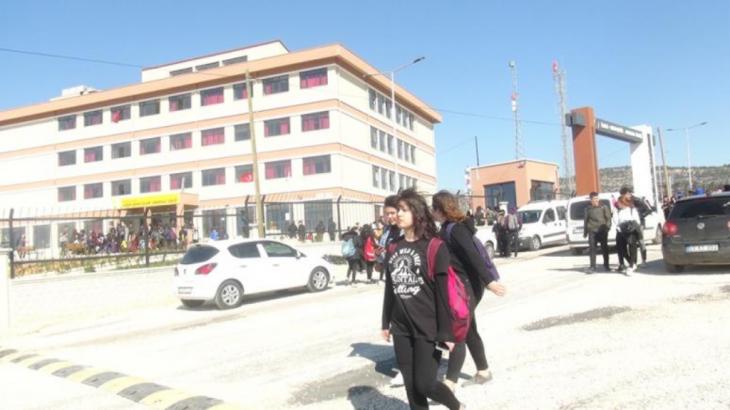 Silifke'de 17 Öğrenci Zehirlenme Şüphesiyle Hastaneye Kaldırıldı!
